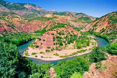 Munzur Suyunun Bir Kıvrımı, Merkez Karşılar Köyü