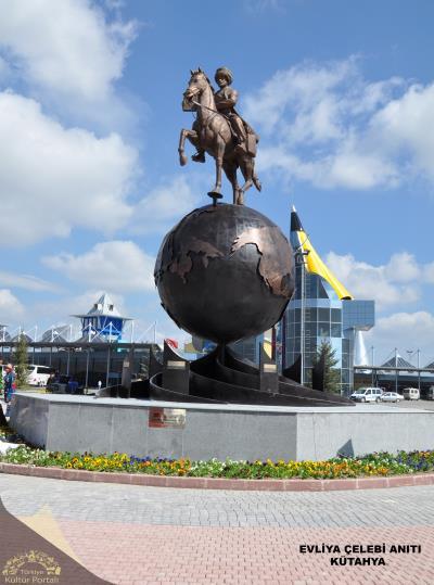 Evliya Çelebi Anıtı