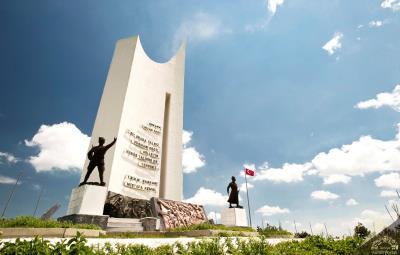 Metristepe Zafer Anıtı