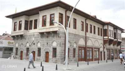 Taş Bina
