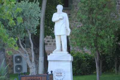 Namık Kemal Heykeli